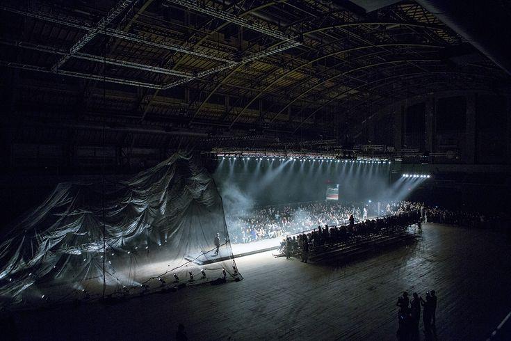 En Noir FW14 show / Set design by Snarkitecture(20140212)