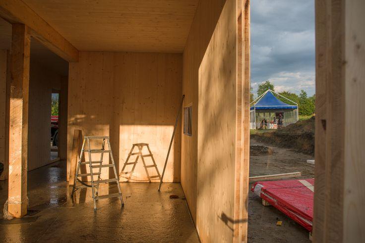 Budowa pierwszego w Polsce budynku z prefabrykowanych masywnych paneli NOVATOP. 19-20 sierpnia Kraków, ul. Pod Pomnikiem.