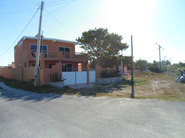 Chelem, Yucatan, Mexico Single Family Home For Sale - Beautiful Beach Home http://www.internationalrealestatelistings.com/7535/chelem_yucatan_mexico_single_family_home_for_sale