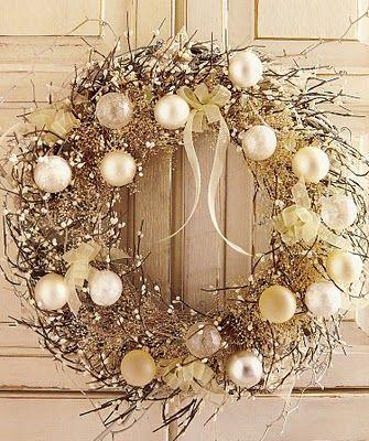 Beautiful wreath: Christmas Wreaths, Holiday Wreaths, White Christmas, Christmas Decor, Gold Christmas, Holidays Wreaths, Winter Wreaths, White Wreath, Diy Christmas