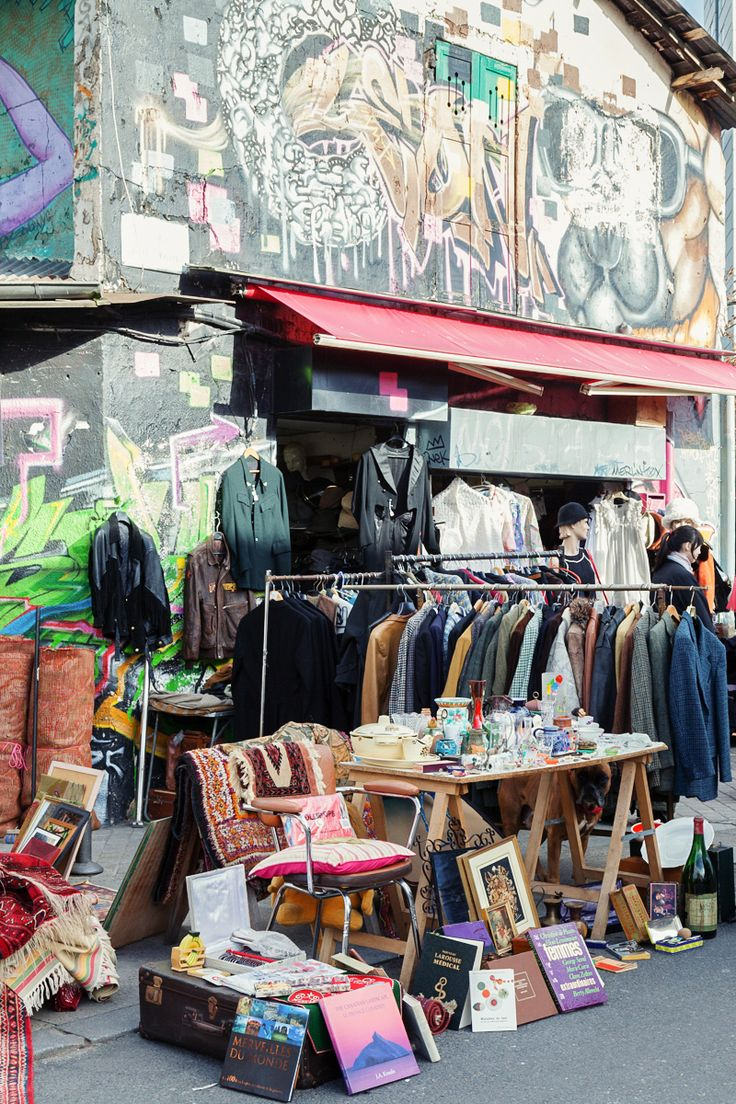TRAVEL GUIDE: Paris: Marché aux Puces de Saint-Ouen #theeverygirl #shopping #retro