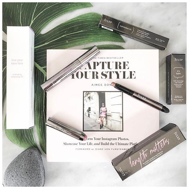 Ashlyn is super excited to try out the new innovative K-beauty Double Cleanse routine by Julep #bravepretty! This Love Your Bare Face Hydrating Cleansing Oil dissolves makeup, dirt and impurities and the Charcoal Konjac Sponge is great for exfoliating. Products were gifted as part of the Preen.Me VIP program together with Julep.