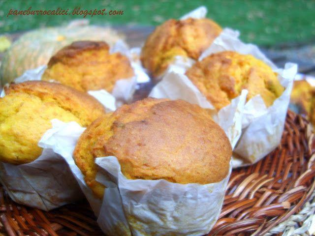 Pane, burro e alici: Cake e muffins di zucca con pecorino e salvia