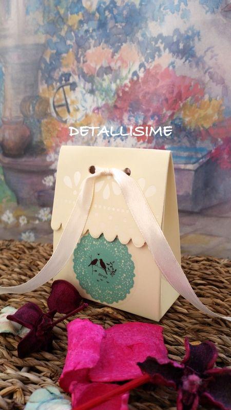 Paquetitos en color beige con detalle azul. Ideales para comuniones, bautizos, baby shower, bodas.. pedidos y catálogo; detallisime@yahoo.es
