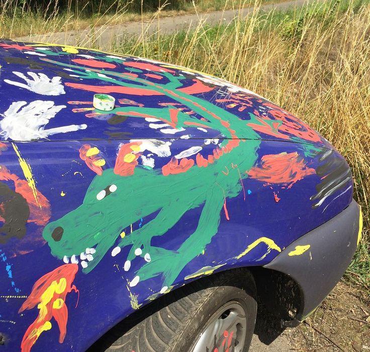 My old Fiesta now runs on dragon fire  #car #dragon #painted #farbe #carpainting #carpaint #hippie #hippielove #hippiemobile #fire #auto #carinstagram #automobile #feuer #justdoit #fingerpainting #abtönfarbe #drache #motorhaube