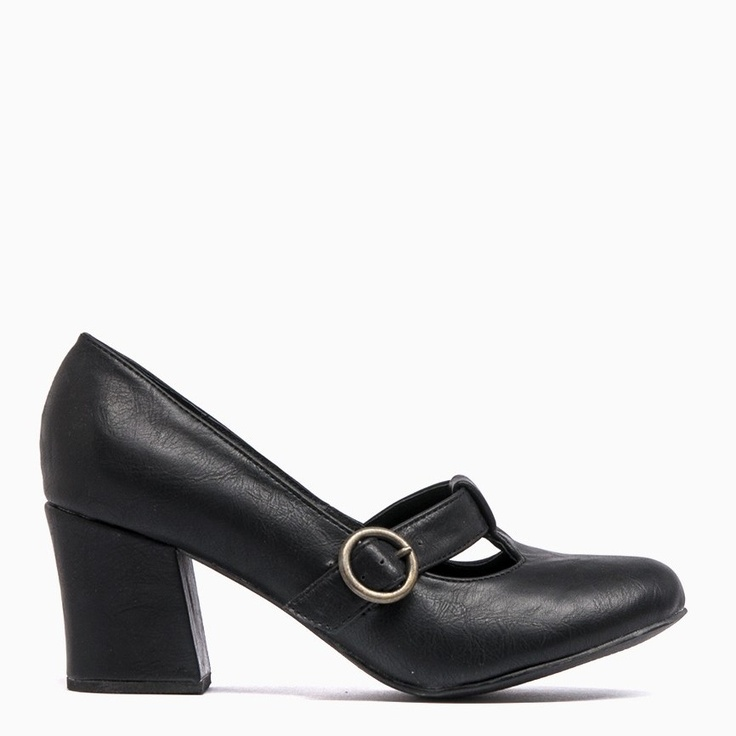 Must have black heels - featuring a functional buckle, 6.5cm heel and leather lining. Perfect for wearing to work with pants or for a night out with the girls- Closed toe- Sexy 6.5cm heel- Feature functioning buckle- Leather lining- Available in red - $79.95