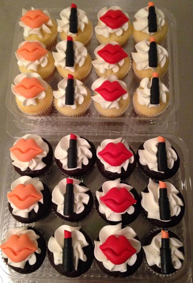 https://flic.kr/p/BJnr7i | Lipstick & Lips Mini Cupcakes | Mini cupcakes for a Lipstick Launch party.