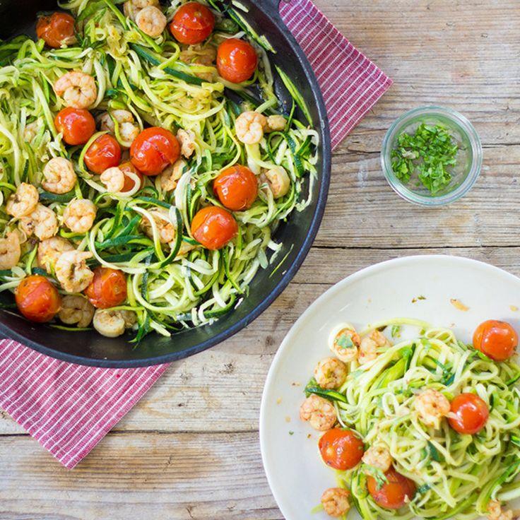 Zucchini Nudeln mit Schrimps und Cherry-Tomaten_featured