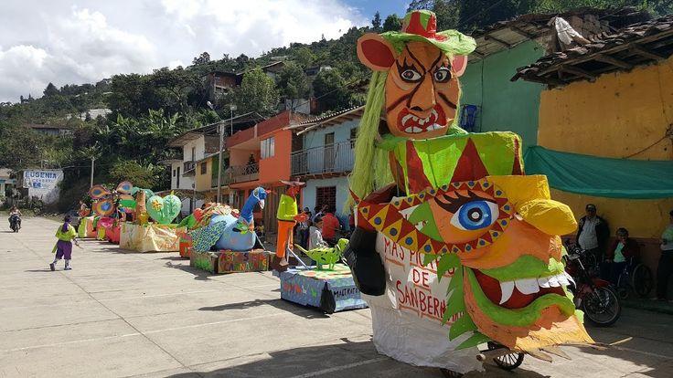 Carrozas y comparsas Carnavalito 4 de enero en San Bernardo Nariño