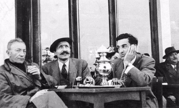 Sait Faik Abasıyanık, Özdemir Asaf, Sabahattin Eyüpoğlu (Emirgan Çay Bahçesi, 1954) https://t.co/CzpwflE99U