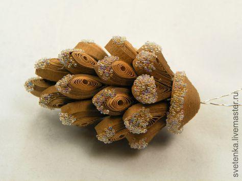 Ёлочная игрушка-шишечка из бумаги (квиллинг) - Ярмарка Мастеров - ручная работа, handmade