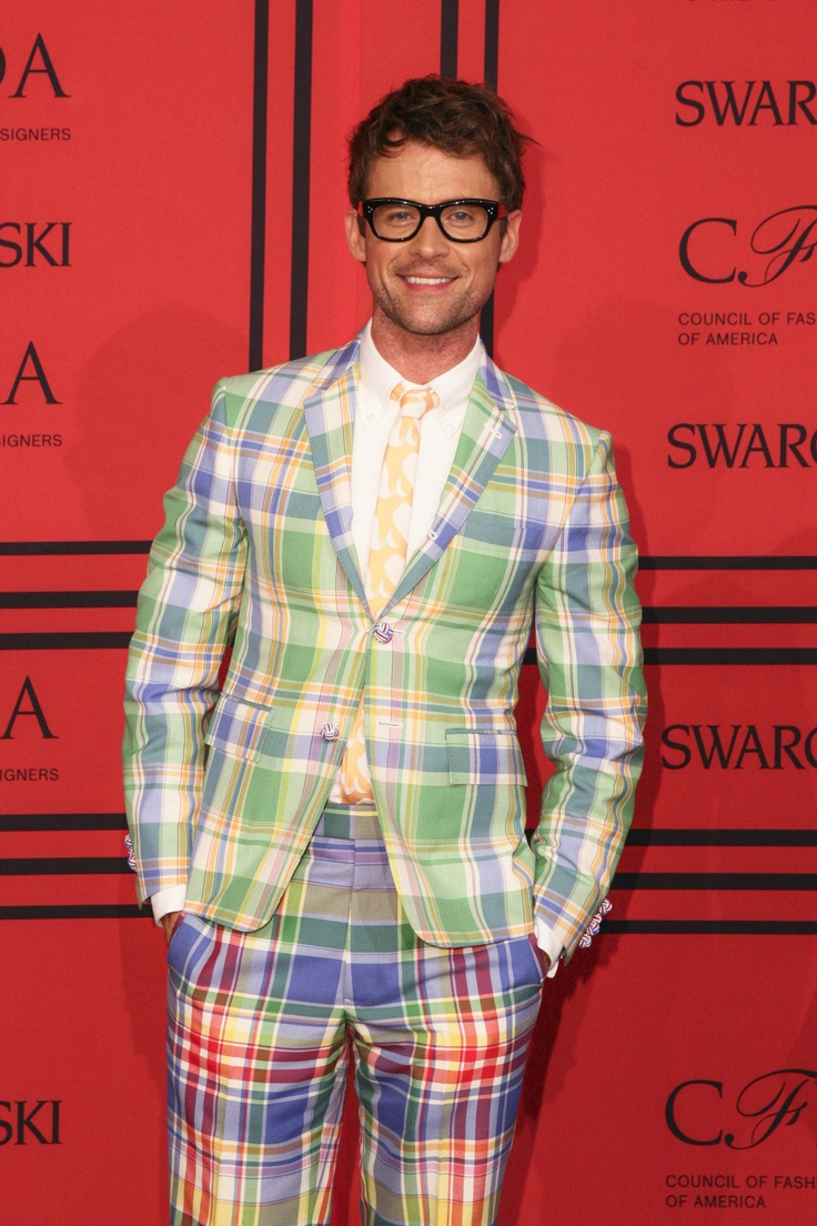 Brad Goreski In A Bright Plaid Suit Cfdaawards Red Carpet