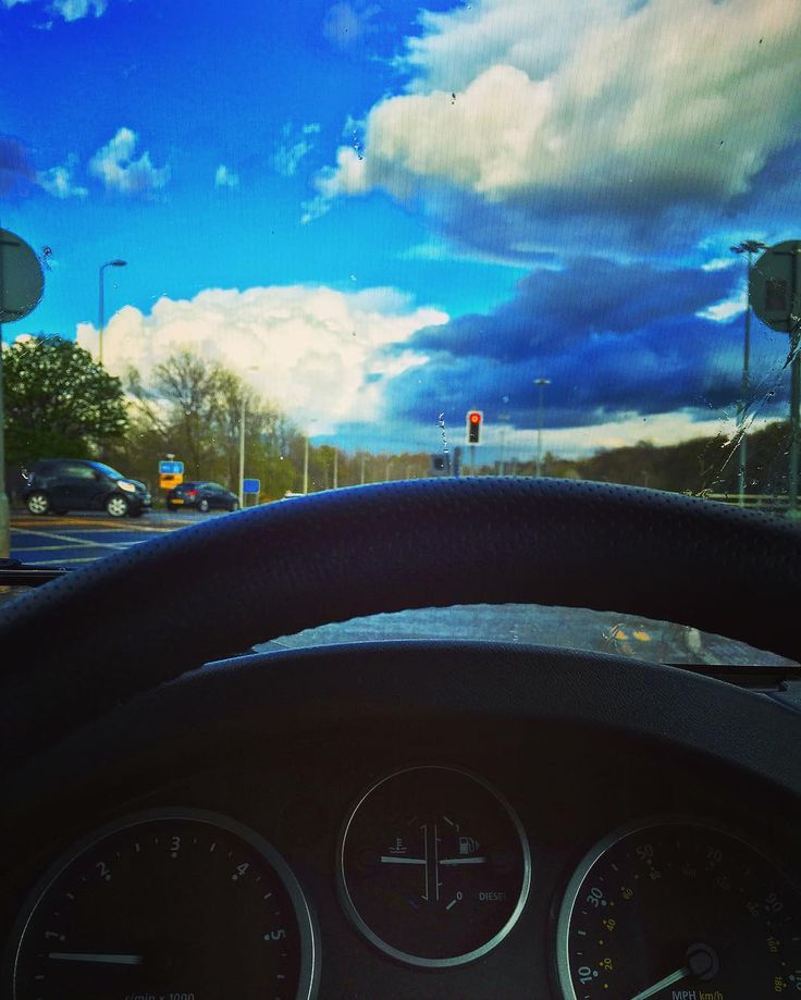 Scottish weather in a nutshell. #sky #clouds #scotland #bluesky #rain #defender #defender90 #landrover #landroverseries #landroverdefender #glasgow #taiko #cloudy #cloudporn #sun #sunshine by avlaing Scottish weather in a nutshell. #sky #clouds #scotland #bluesky #rain #defender #defender90 #landrover #landroverseries #landroverdefender #glasgow #taiko #cloudy #cloudporn #sun #sunshine