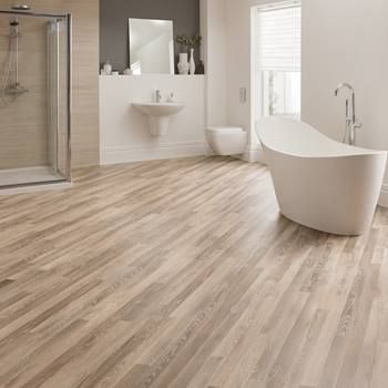 Light natural wood effect vinyl flooring tiles planks for Wood effect vinyl flooring bathroom