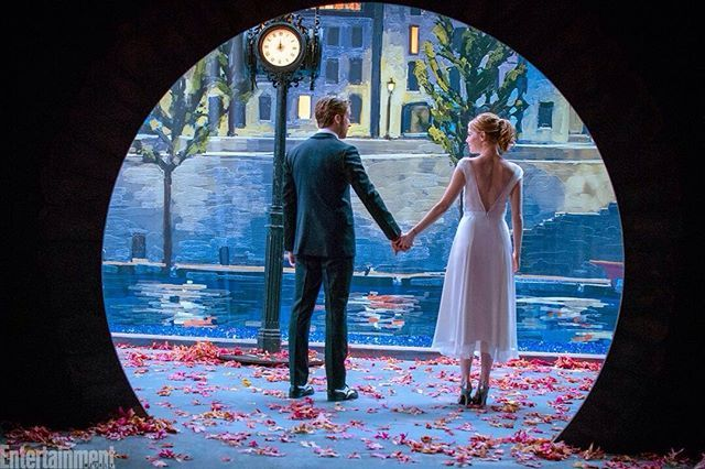 #LaLaLand with #RyanGosling and #EmmaStone is one of 10 movies to see before the new year kicks in! We can't wait for Dec. 9! #DamienChazelle Click the link in our bio to see what other films to watch for. : Dale Robinette