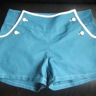 Free Pattern - Sailor Shorts with no zip. Womens pattern...could lengthen
