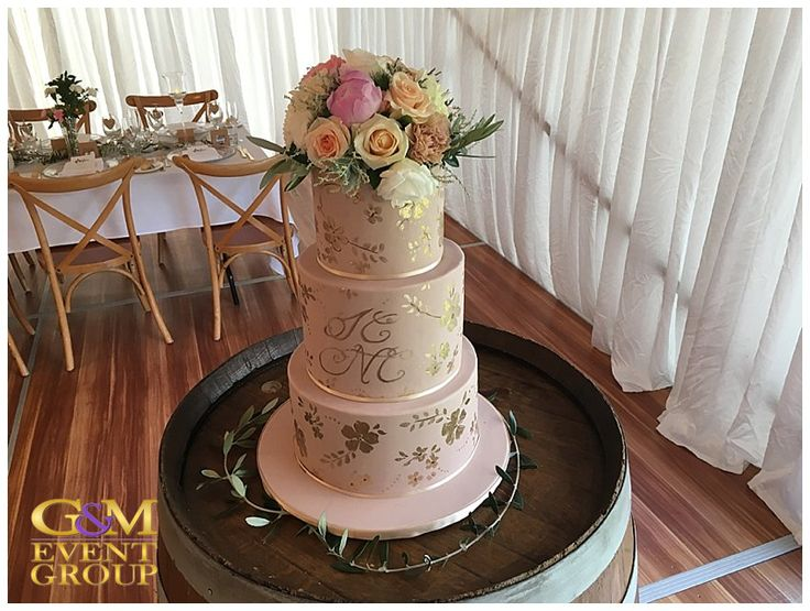 O'Reillys Canungra Valley Vineyards Wedding    Gold Foil and Flower Wedding Cake    Country Wedding #weddingcake #countrywedding #gold #vineyardwedding #pastel #flowers