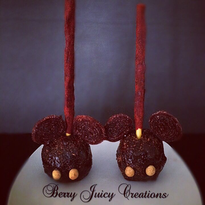 Tamarindo and Chamoy Mickey Mouse (Diablo) Apple! #berryjuicycreations