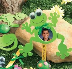 Foam frog picture frame