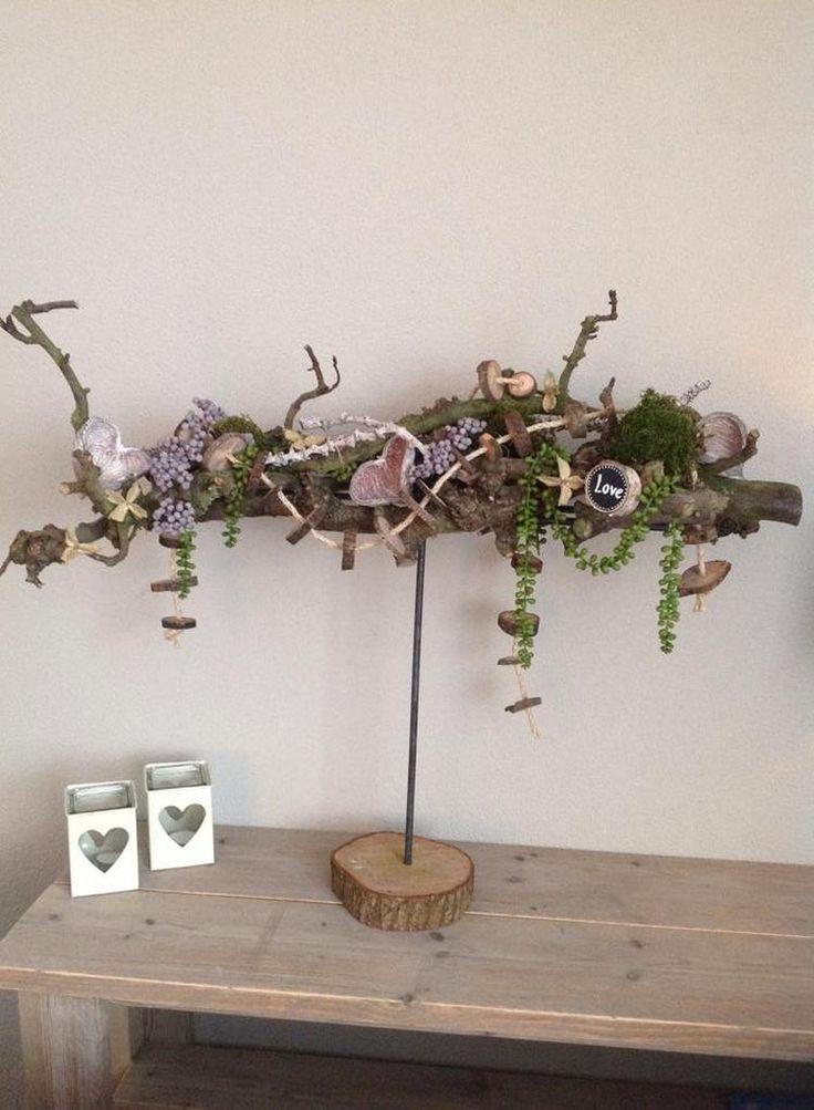 Bekijk de foto van decoratietakken-nl met als titel Herfst stuk met  een decoratietak.  Workshop decoratietakken. en andere inspirerende plaatjes op Welke.nl.