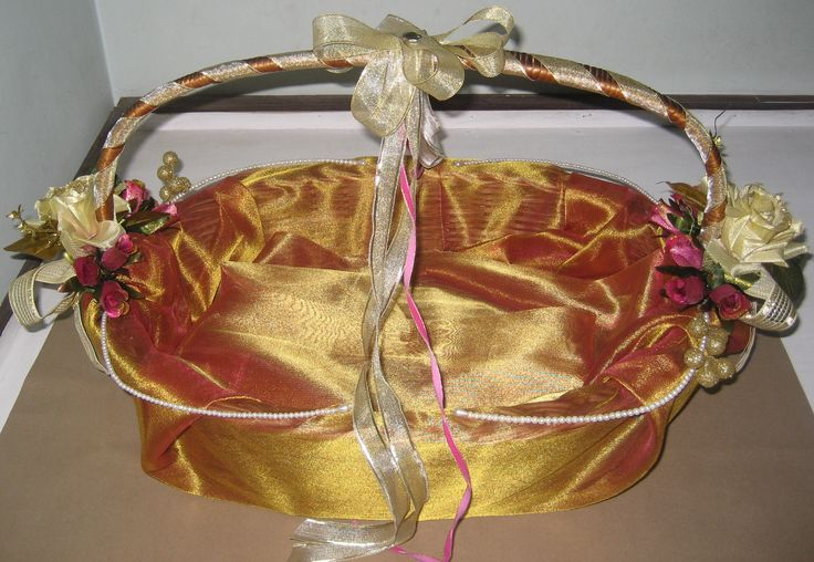 Wedding Gift Hampers India : Beautiful creation for Indian weddings shagun ceremony or gifts for ...