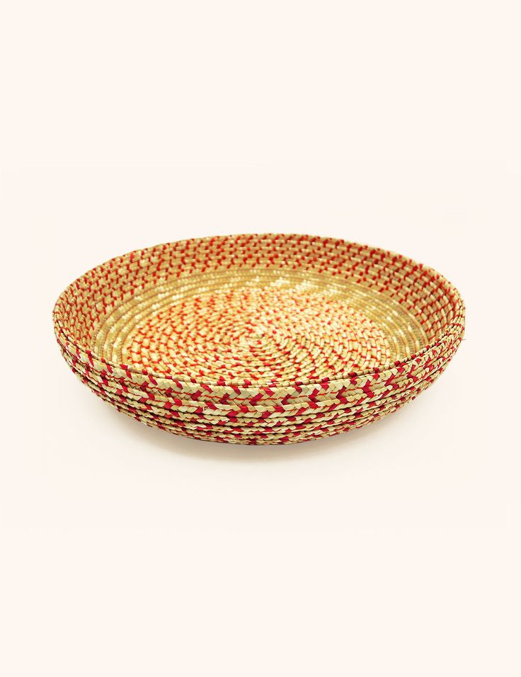 Bowl MINU Red - straw-plaited by a traditional hat maker in Switzerland.