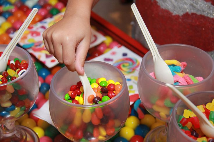 Whether your sweet tooth craves cupcakes, chocolate-covered strawberries, fudge, cookies, ice cream or some good old hard candy, the city has plenty to share with you. Check out our list of the top five candy shops in New York City.