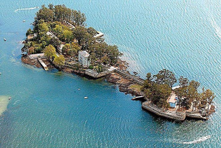 San Simón, una isla cargada de historia y hermosura