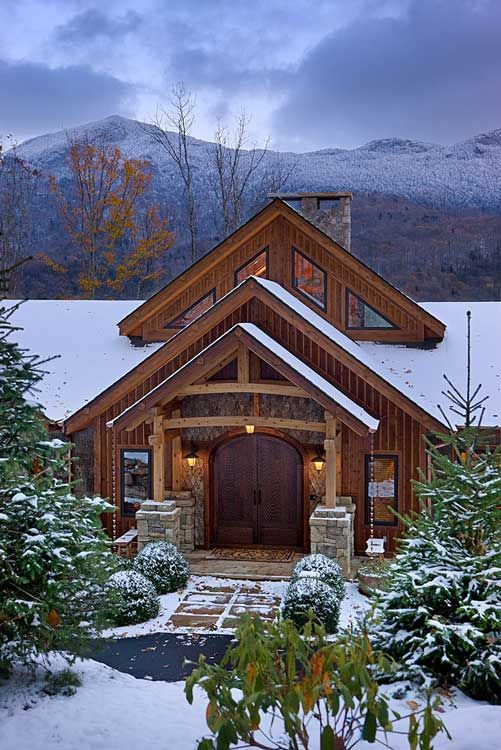 Log homes and snow. Something so magical about them. Reminds me of my snow holidays. #snow