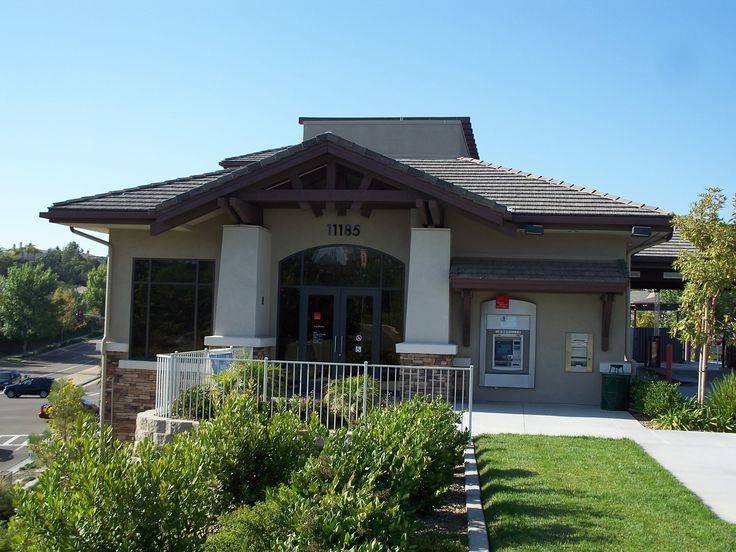 Union Bank of California Torrey Hills Branch - Entry