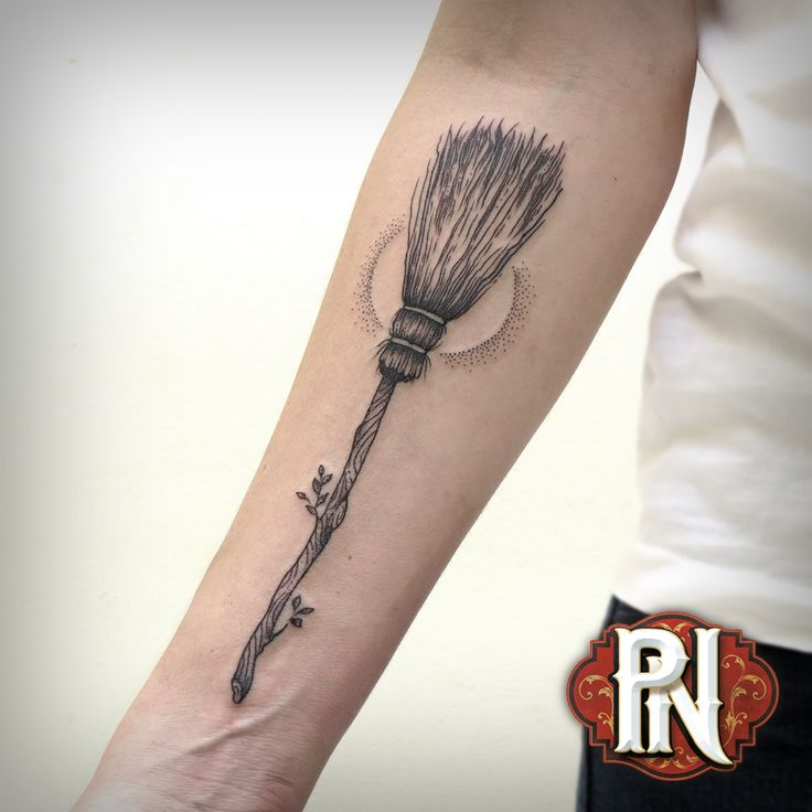 #witch #broom #blackwork Tattoo by Marcus Rotten @ Planet Needle Tattoo Studio, Americana, SP, Brazil