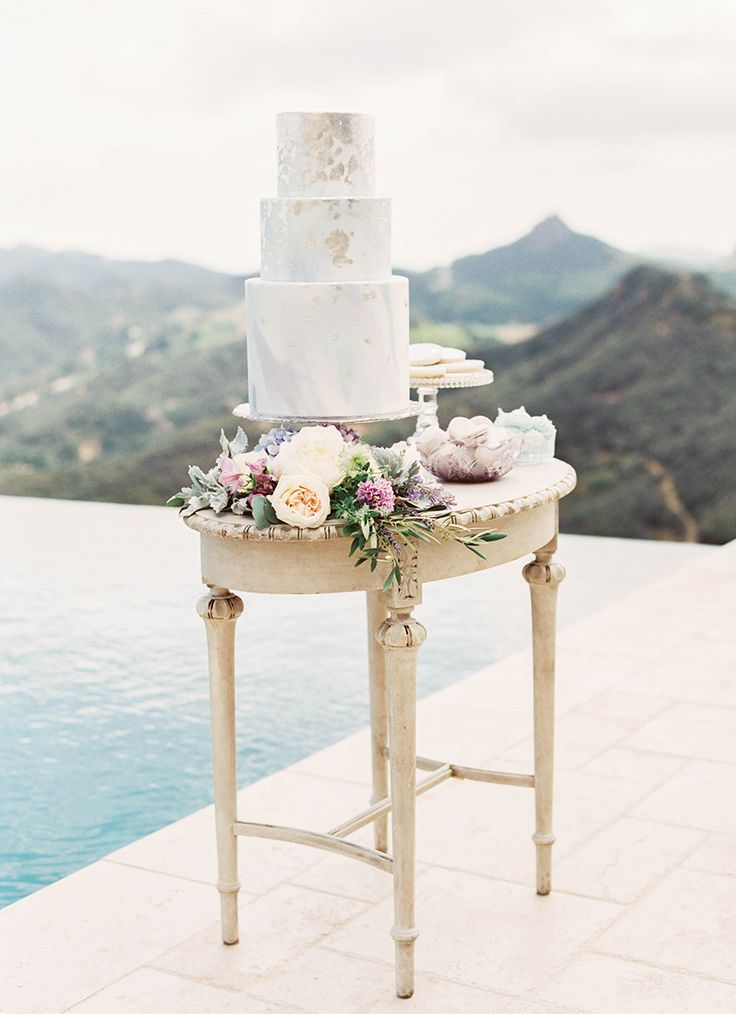 #cake, #wedding-cake  Photography: Sally Pinera - sallypinera.com Floral Design: Heavenly Blooms - www.heavenlybloomsdesigns.com/ Venue: Malibu Rocky Oaks Estate Vineyards - maliburockyoaks.com/