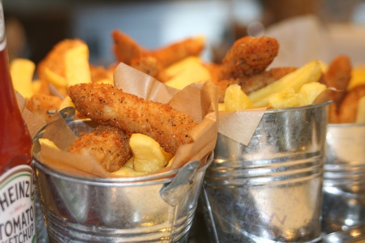 Beach party food - fish n chip buckets