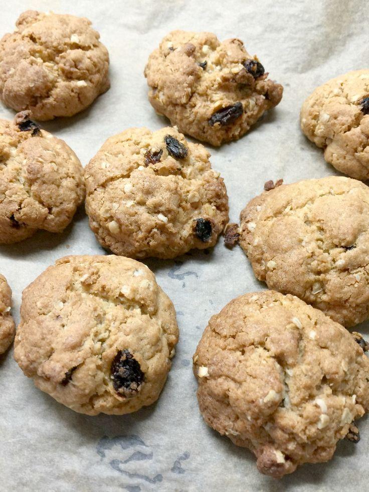 Oat and Raisin Cookies by Lucy - BakingQueen74 #BAKEoftheWEEK http://bakingqueen74.co.uk/oat-and-raisin-cookies-2/