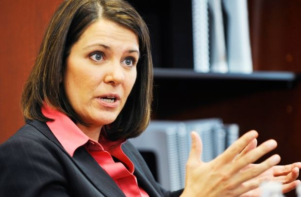 Danielle Smith extends olive branch to Edmonton at annual leader's dinner  #ableg #wrp #Alberta #yeg