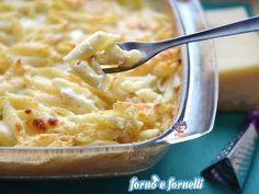 La pasta ai formaggi gratinata è una mia elaborazione di un primo piatto davvero gustoso. Certo, non è un piatto leggero, ma una volta ogni tanto possiamo!