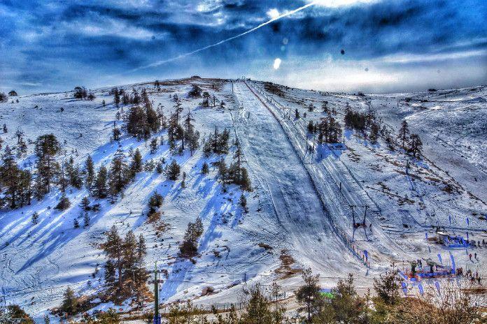 Türkiye'de bulunan 3 kayak tatil merkezi ile kış tatillerinizi keyifle yaşayabilirsiniz. Kış tatillerinin vazgeçilmezi olan kayak sporu deneyimini yaşayın.