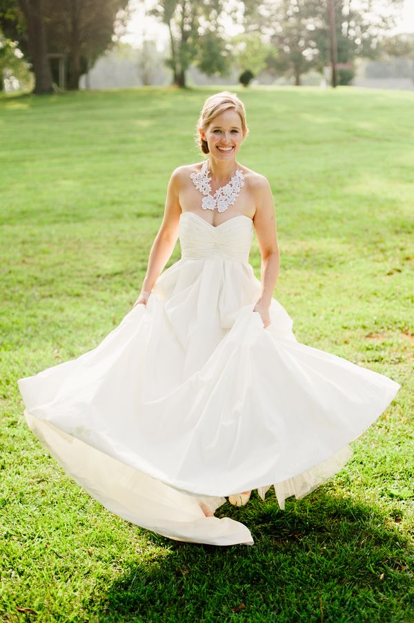 Love this bride 39 s necklace made from her mother 39 s wedding for Simple southern wedding dresses