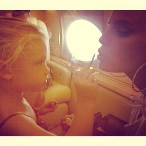 Jessica Simpson receives a makeover from her daughter Maxwell. #jessicasimpson #makeup #parenting #daughter #beauty #love