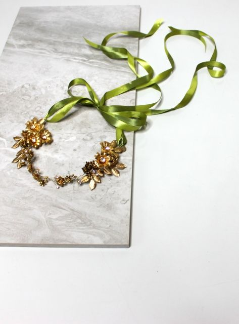 Decolove Golden Rosę Evening Crown handmade from brass flowers, brass leaves and gold crystals