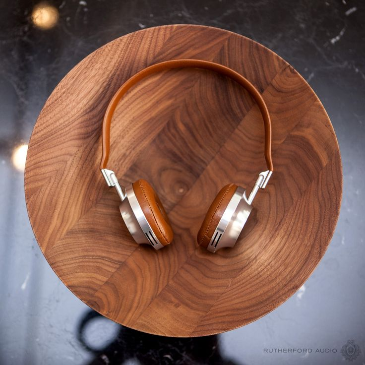 Well rounded. 8 Photos that perfectly describe Aedle Headphones.