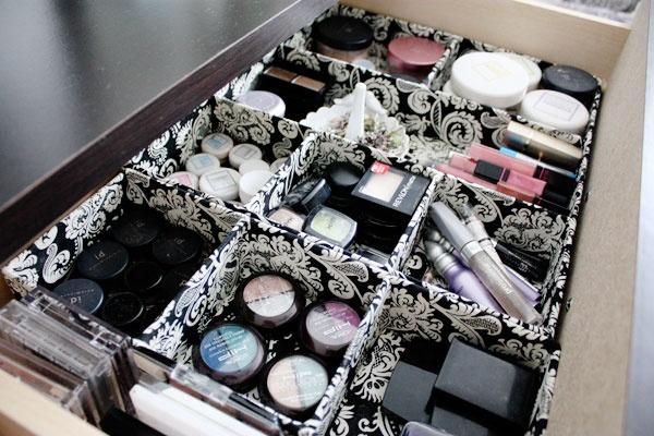 Organizador de maquiagem: Organizations Ideas, Makeup Contours, Makeup Storage, Makeup Tips, Beautiful Storage, Makeup Drawers, Makeup Organizations, Storage Ideas, Drawers Organizations