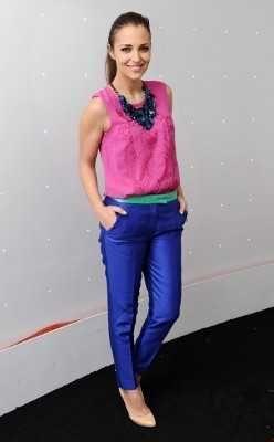 outfit pantalon azul rey - Buscar con Google