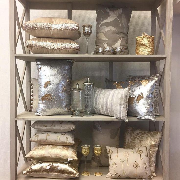 модные, стильные, уютные #подушки @voyage_deco ждут вас в #galleria_arben #voyagemaison #pillows @superseledka