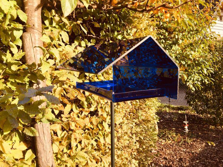 Das für dich gefertigte Vogelhaus von birdie in vielen verschiedenen Farben erhältlich