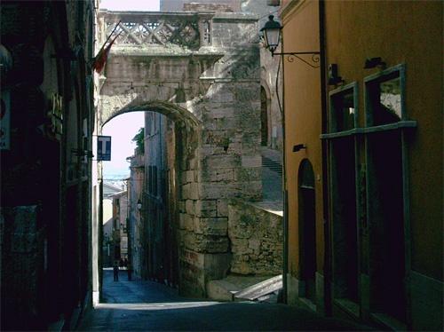 Todi-Umbria-Porta Marzia