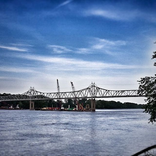 Bridge work all night at the #washmo bridge. #riverview #downtownwashmo #washmobridge #tuesdaytour #walkwalkwalk #getyourmoveon #healthyhabits #clarity    #Regram via @stallmannrealestate Jacob Stallmann | Coldwell Banker | Washington Mo Real Estate