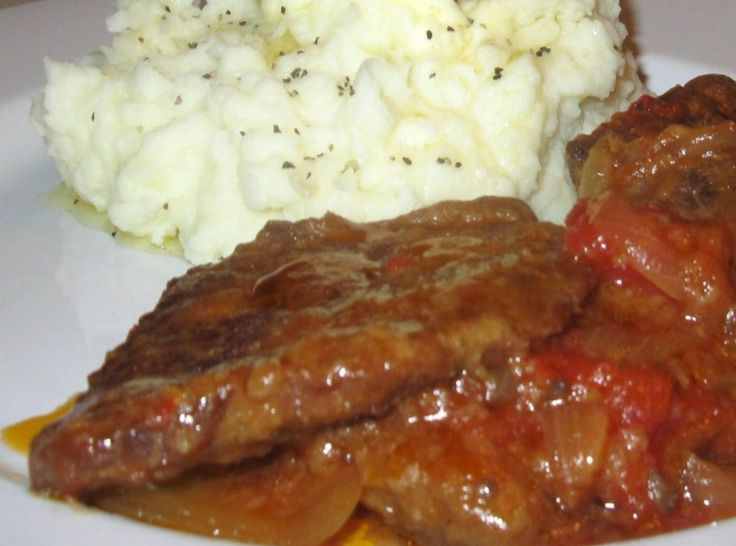 Yoder's Swiss Steak-with tomato gravy just like my grandmother made!!