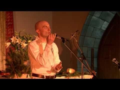 Overtone Singing in Concert - Miroslav Grosser (Berlin) - YouTube