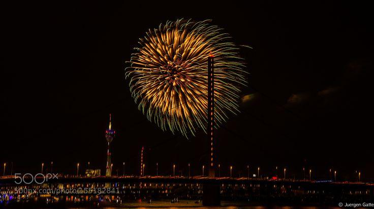 Japantag 2016 Feuerwerk by JuergenGatte